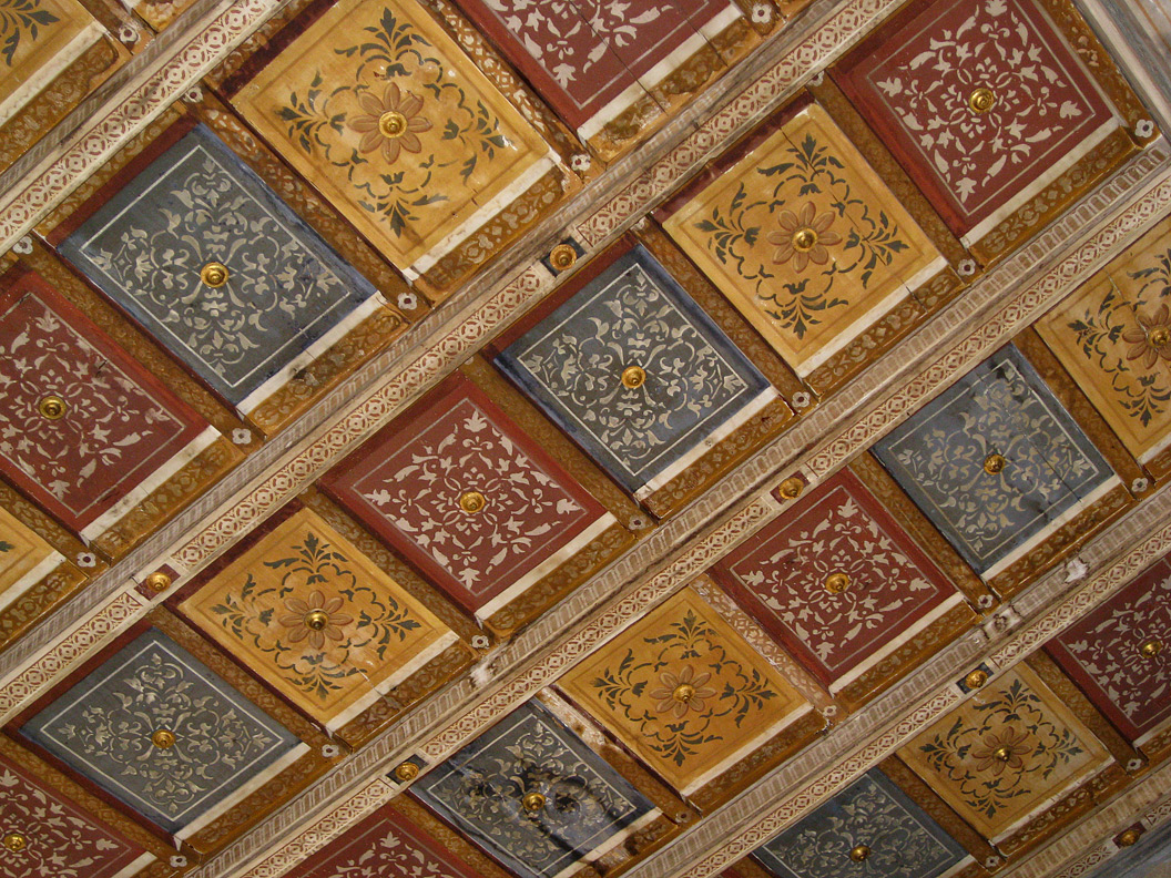 (above) This ceiling of the Villa Cicogna belongs to the first room of the women's quarter.
