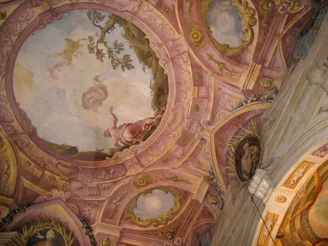 (above) Here's the ceiling of the private family chapel at the Villa Allegri Arvedi at Cuzzano.