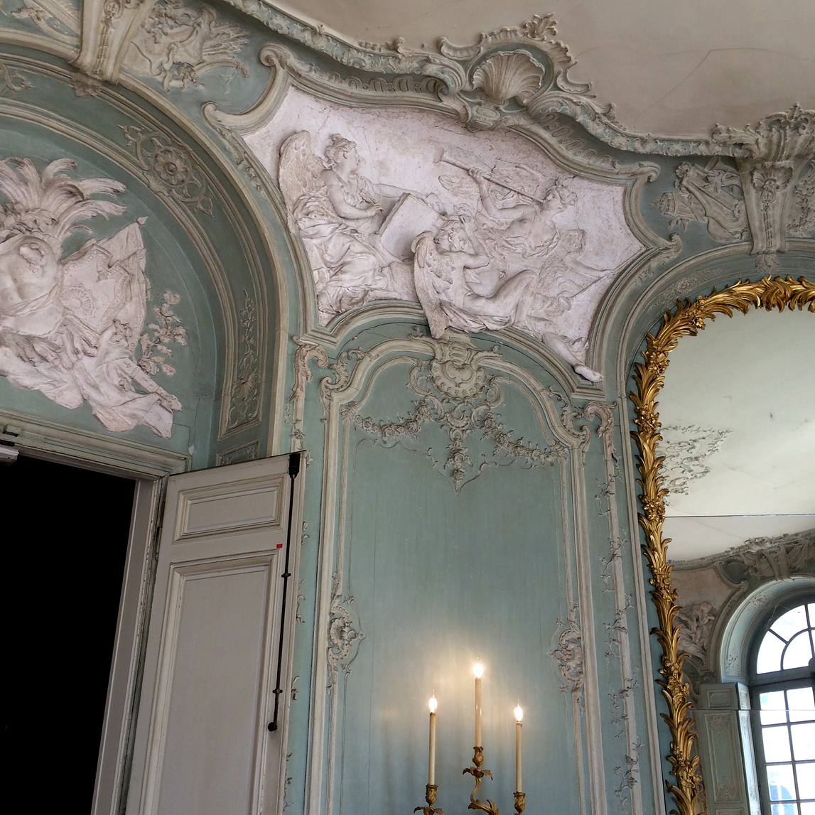 (above) Another detail of the Prince of Soubise's oval salon.
