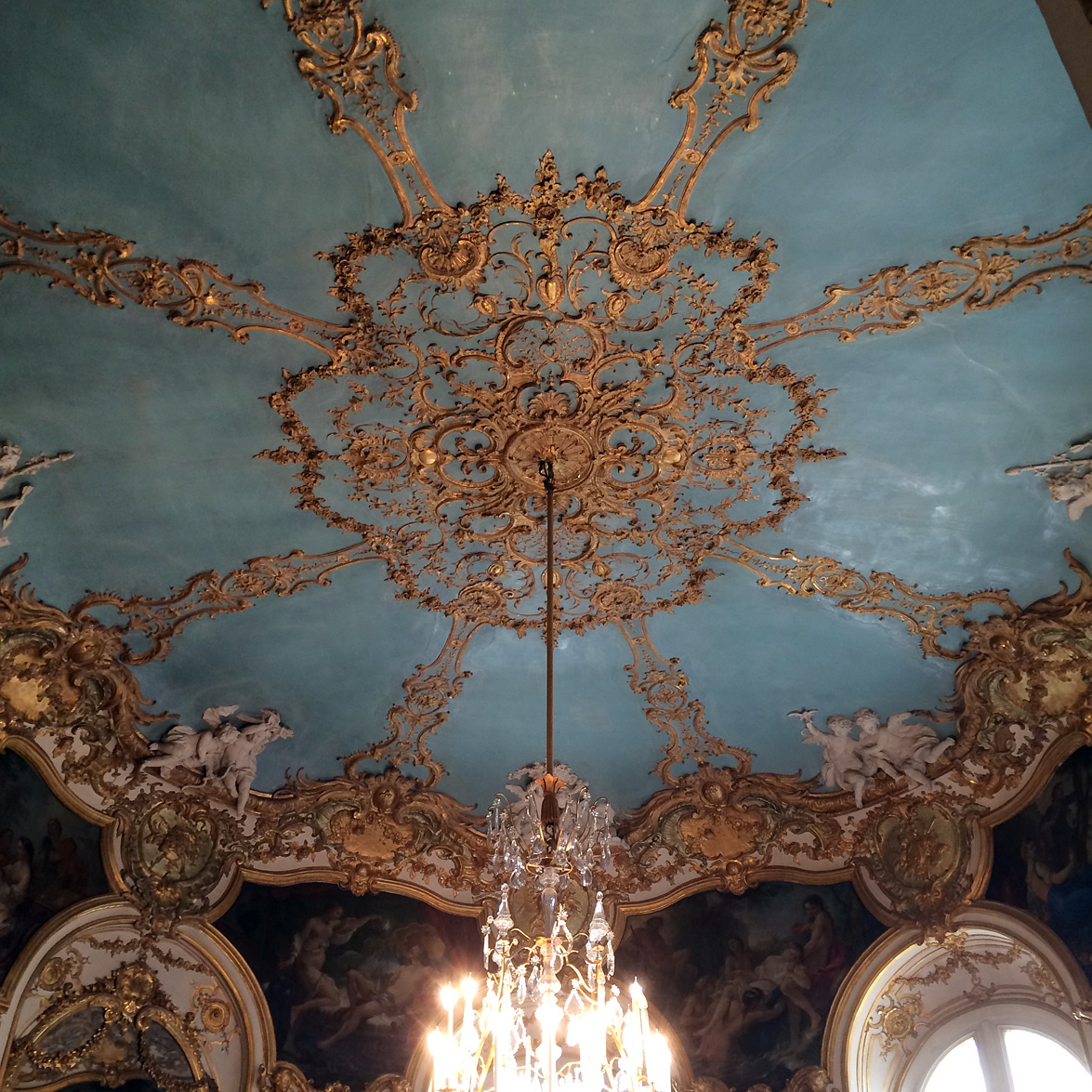 (above) The ceiling of the Princess's oval salon.