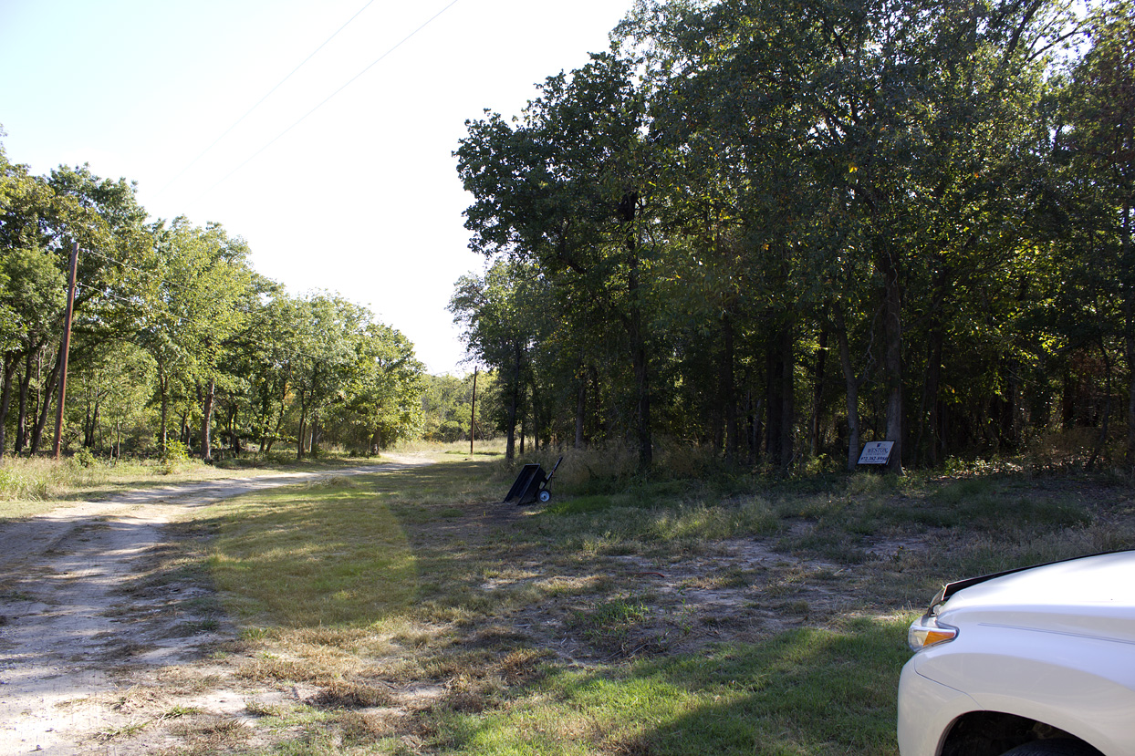 (above) This a view of the far north east corner. The right side of the road is my acreage, the left side belongs to someone else. There are no street addresses for these parcels.